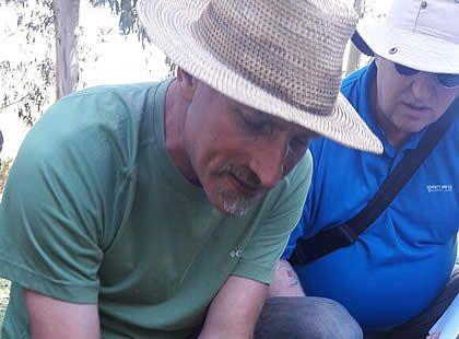 Omar Riachi viene transmitiendo y compartiendo la sabiduría heredada de sus ancestros Comechingones para vivir en armonía con la pachamama.