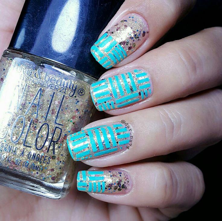 #glitter #geometric #nailart #stampingnails