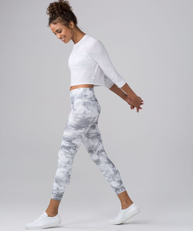 We updated our classic High Times pant to create these high-rise 7/8 tights—perfect for yoga or the gym.