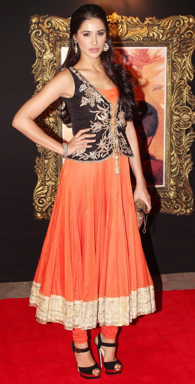 Celebrity Dress up-Bollywood Fashion Stars - Celebrity Fashion - SkinSecrets.in