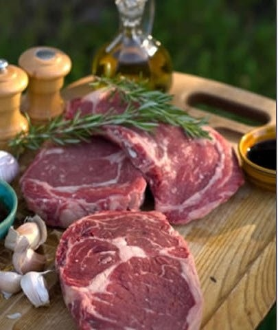 This ribeye steak marinade recipe is simple to make and one of our very easy steak marinades. Steak marinade recipes do not have to be difficult and you can even get great results from a 3-ingredient steak marinade. It is a myth that the best steak marinades contain a lot of different ingredients because keeping the flavors simple always works best and every flavor you add will shine through, complementing your meat perfectly.