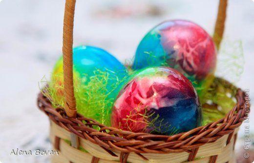 Здравствуйте, мои дорогие соседи! Попробовала красить яйца еще одним способом, результатом очень довольна и поэтому спешу с Вами поделиться....   фото 1