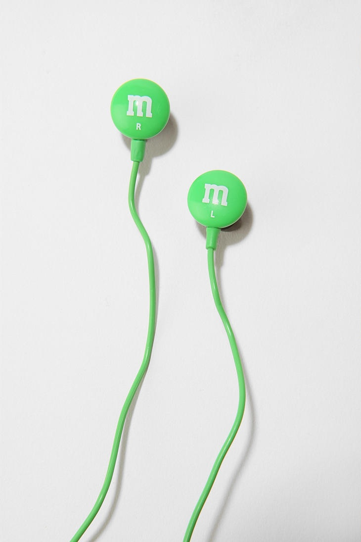 i have to give these to someone.  Who would like them? oh, me! hehe (M&Ms headphones)
