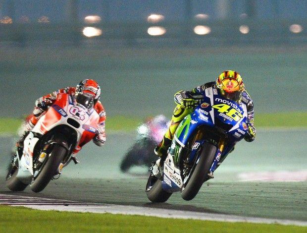 Valentino Rossi com Andrea Dovizioso em duelo eletrizante no GP do Catar de MotoGP