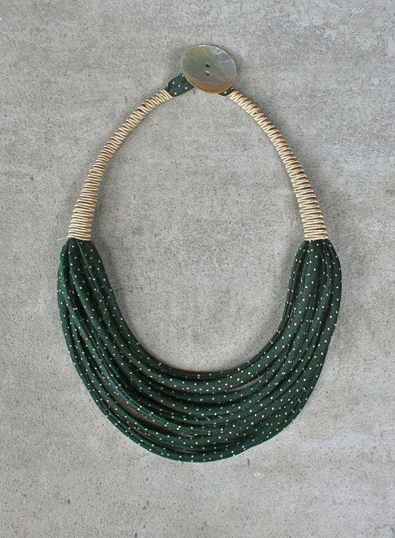 Collana girocollo leggera in seta riciclata da di aBimBeri su Etsy