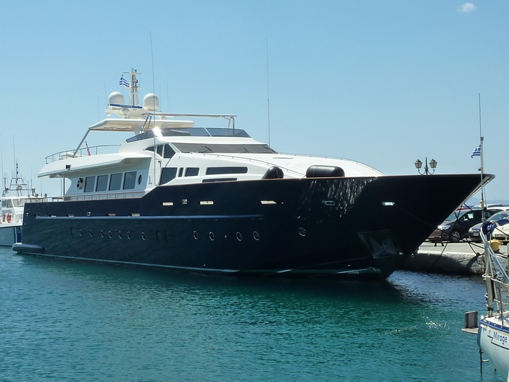 Great Australian yacht in Tinos harbour, august 2012