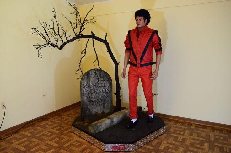 Michael Jackson 1/1 LIFESIZE Statue THRILLER figure Christmas bust Jacket prop