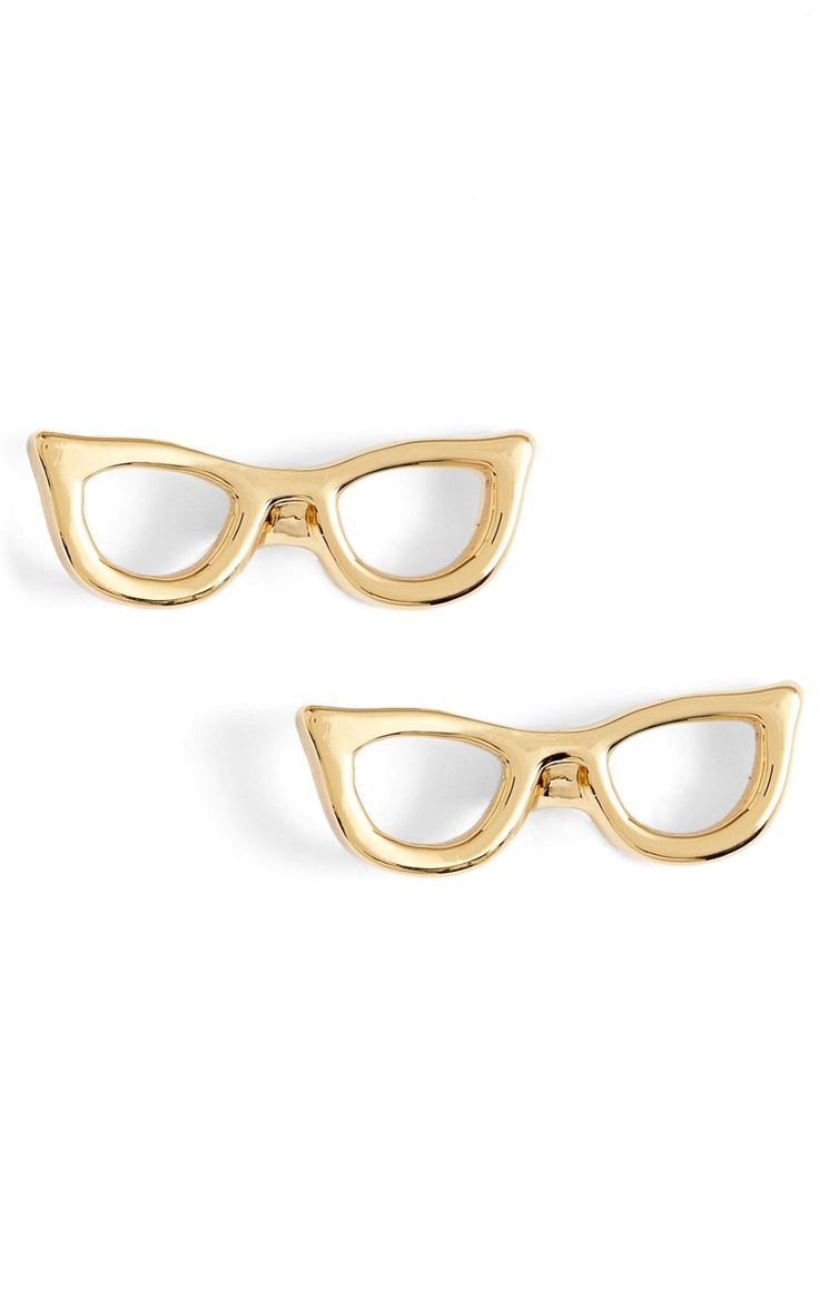 Loving the retro-chic vibes of these delicate Kate Spade stud earrings. So charming and dainty!