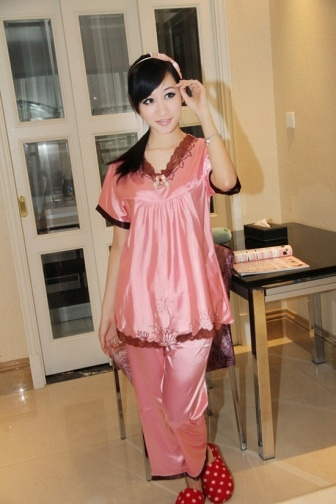 #Women's Housewear Suit of V-Neck...    like pin or repin