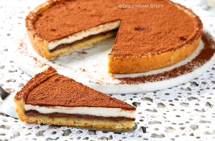 Oggi prepariamo una golosissima Crostata alla Ricotta e Nutella che piacerà a grandi e piccini. Semplicissima da realizzare.