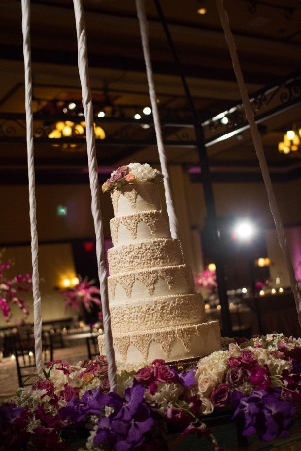25 Amazing Wedding Cake Decoration Ideas for Your Special Day