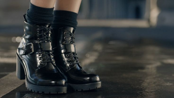 Boots à semelles crantées