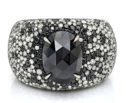 Black Diamond Ring #jewelry #finejewelry #diamonds #blackdiamond #ring #luxury…