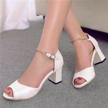 Más el tamaño 9 10 elegante Women 's sandalias Peep Toe tobillo correa Chunky tacones medianos cadenas femeninas zapatos de color rosa AAC00(China (Mainland))