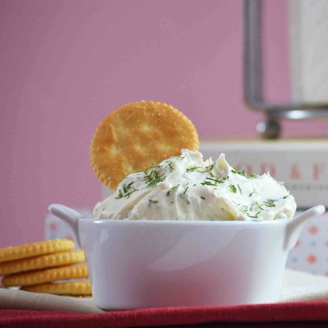 How to make your own Spreadable Cheese. Garlic and Herb Cheese for your crackers or as a bagel spread!