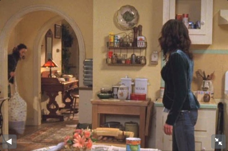 Gilmore Girls house interior: entrance/kitchen. From Hooked on Houses.