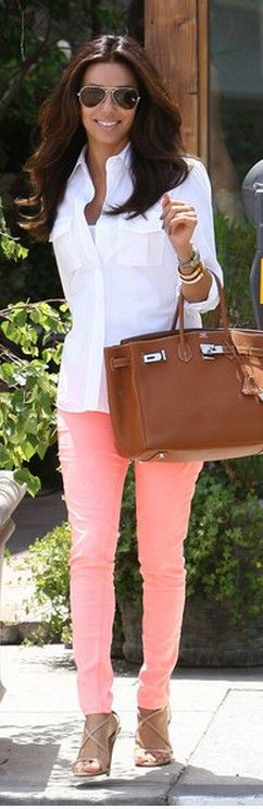 White/salmón: Neon Jeans, Outfit Jeans, Pink Pants, White Shirts, Eva Longoria, Color Jeans, Color Pants, Oxfords Shirts, Bags