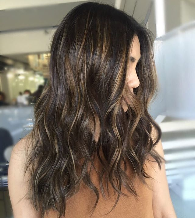 Loving this dimensional brunette || style by @its.ashc