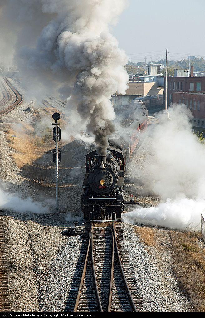 Vapor del sur De ferrocarril 2-8-2 en Chattanooga, Tennessee