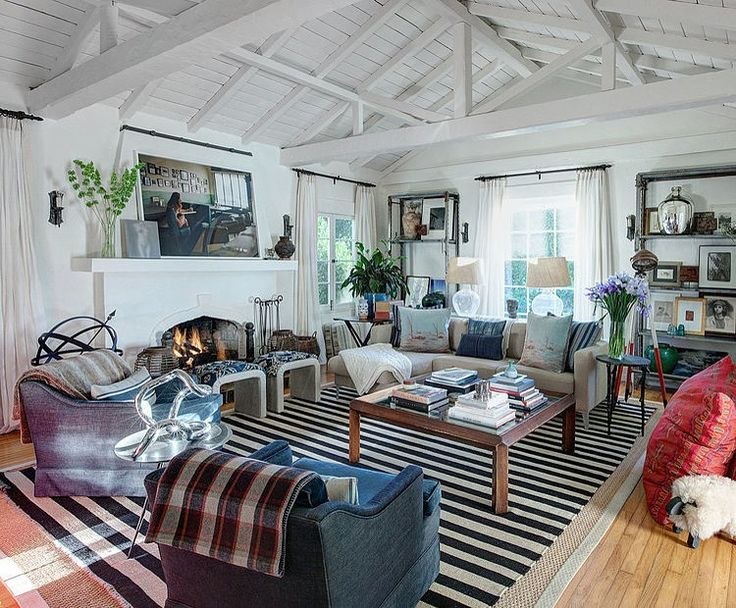 LOVE LOVE LOVE this home in L.A. ... See all the photos! #decorating #realestate #homedesign