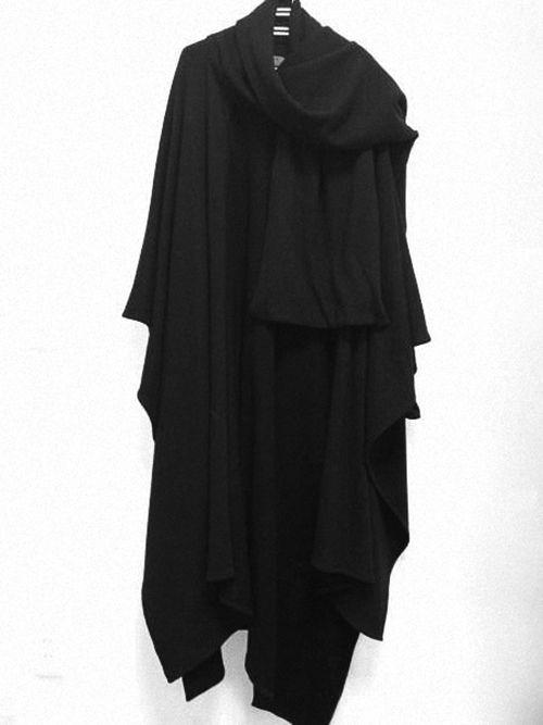 shuitsang:  Yohji Yamamoto Pour Homme Shoulder Cape AW11/12