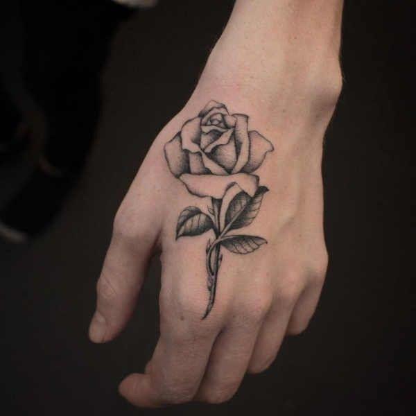 Tatuaż Róża Znaczenie Historia 40 Zdjęć Tatuaż