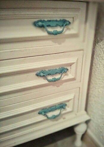 Mueble pintado con chalpaint