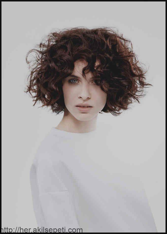 Wunderbare Frisuren Damen Kurz Lockig Kurzhaarfrisuren Mit Locken …   Einfache… – #Damen #einfache #Frisuren #kurz #Kurzhaarfris