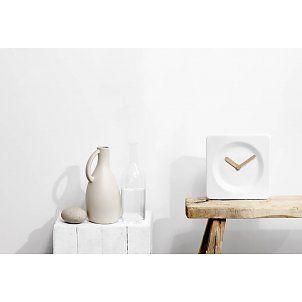 LEFF Klok Tile wit met bamboe wijzers 25x8x25cm