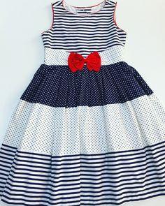 Vestido Infantil- Branco Com Azul Marinho e Laço Vermelho. Tecido: Algodão TAMANHO: 6 ANOS 72 Cm Comprimento 58 Cm Cintura