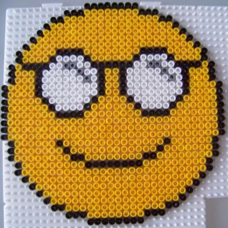 Smiley lunettes en perles hama id es de perles hama - Smiley perle a repasser ...