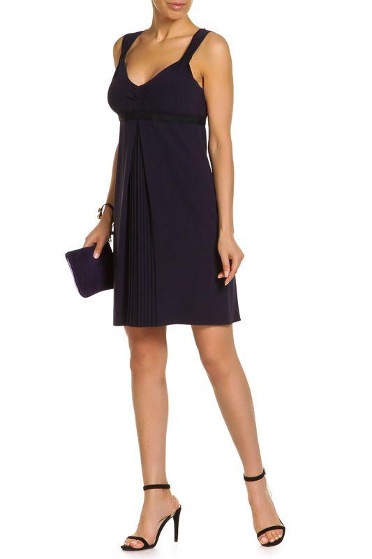 расклешенное синее короткое платье из трикотажной ткани