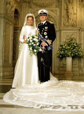 Prince Willem-Alexander and Princess Máxima of the Netherlands. Just rewatched their 2002 wedding. It was fabulous. Dress and veil by Valentino!