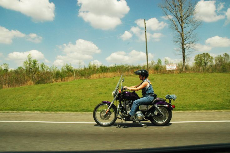 Road to Memphis Biker chick - Spine Studios