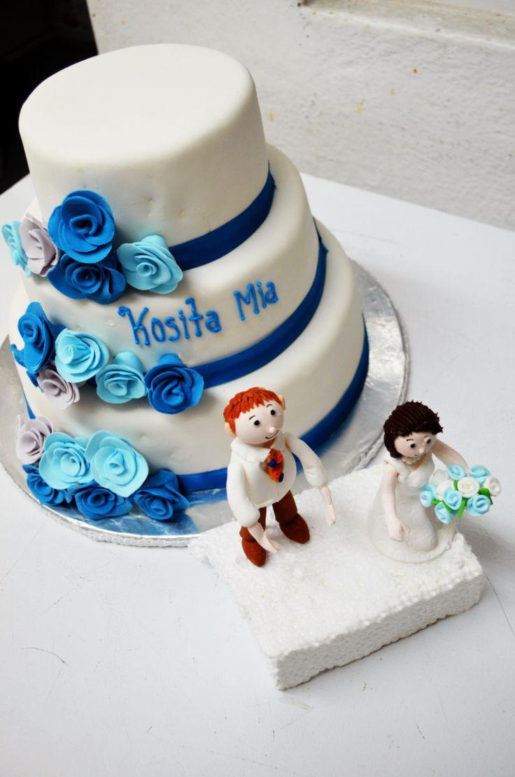 Pastel Con Rosas Azules En Fondant Pasteles De Boda