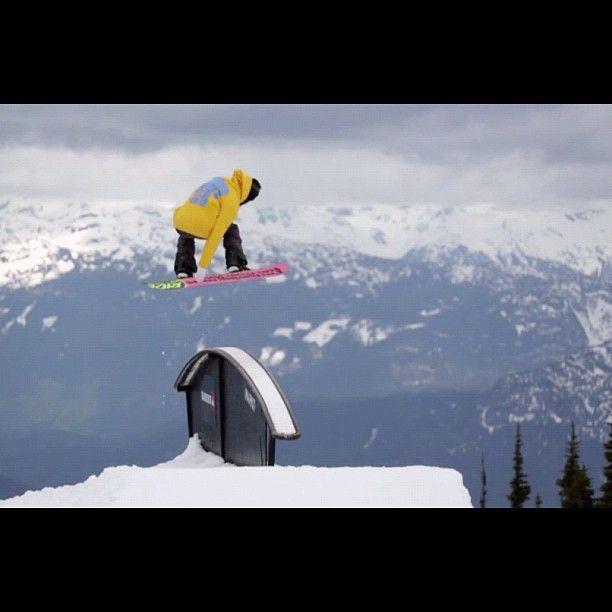 Snowboarding in Hakuba www.bluebirdhakuba.com