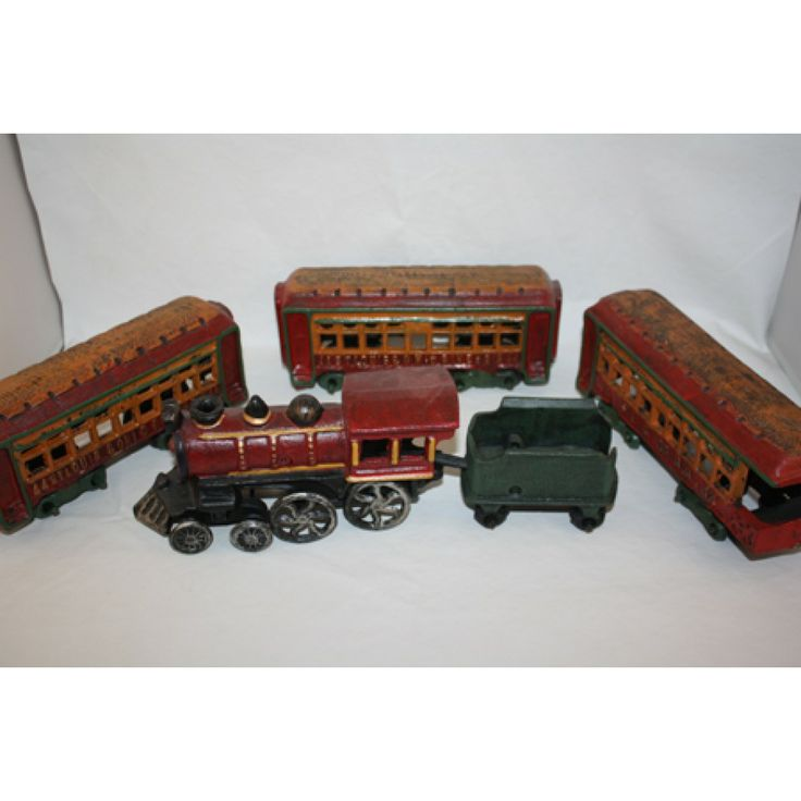 Nycrr Cast Iron Train: CAST IRON TRAIN SET LOCOMOTIVE WITH TENDER 3 WAGONS