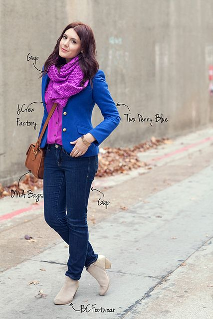Love that the scarf matches the blouse. Must remember this when out shopping - to pick up a few scarves to go with my blouses. Cute.