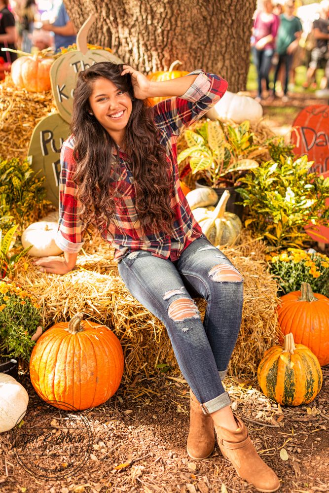 Pumpkin Patch - Fall - Red - Dallas Festivals - Summer - Outside - Senior Session - Photography - Graduation - Class of 2017 - Dallas, Texas - Tyler R Brown Photography