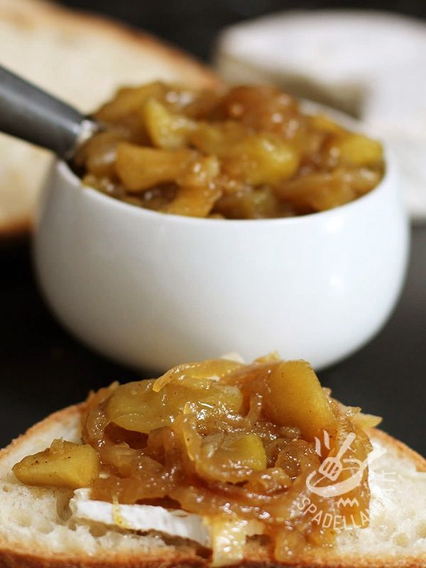 Ginger chutney and apple (for roasts and boiled) - Chutney di zenzero e mela (per arrosti e bolliti): ecco una ricetta aromatica, che sposa il sapore dolce delle mele con il piccante-aspro dello zenzero.