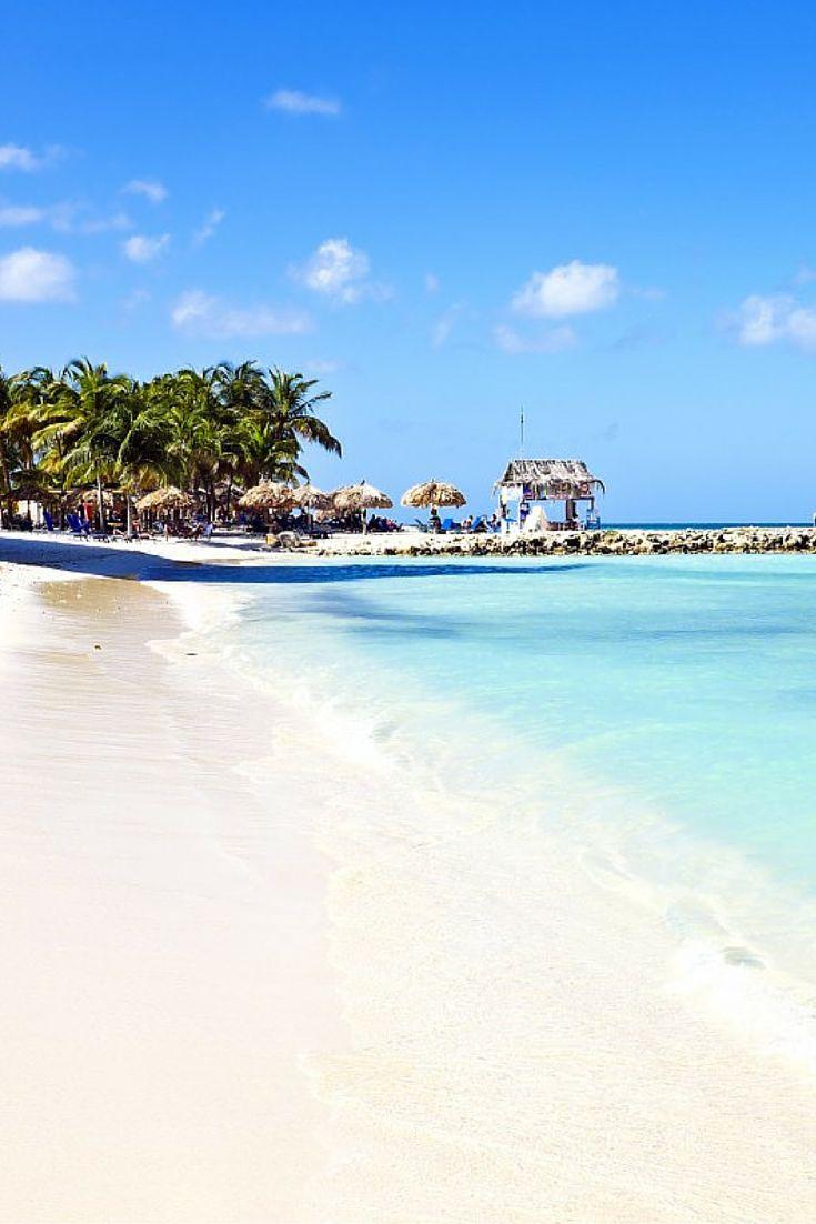 De zon op je gezicht, je tenen in het zachte zand. Het geruis van de golven en de warme die je loom maakt.. Een koud drankje binnen handbereik en het besef dat je hier helemaal niks hoeft. Dat is nog maar het begin van een heerlijke vakantie op Bonaire, dit eiland zal je verwachtingen overtreffen!