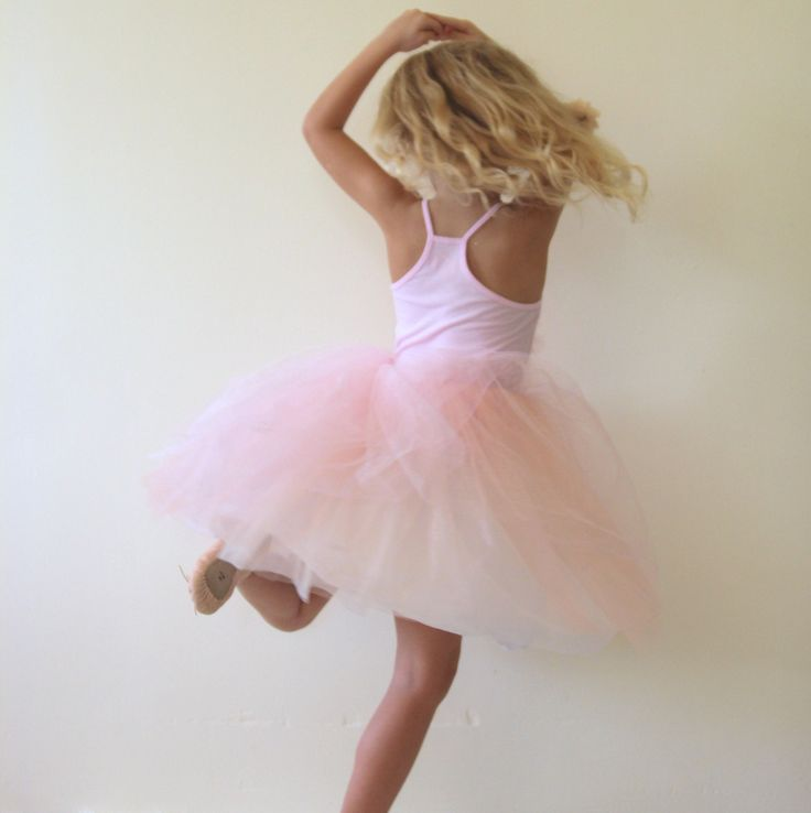 how to make a tutu (not only is this tutu so easy to put together, it turns out darling)