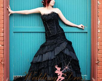 Plata y negro boda vestido gótico por WeddingDressFantasy en Etsy