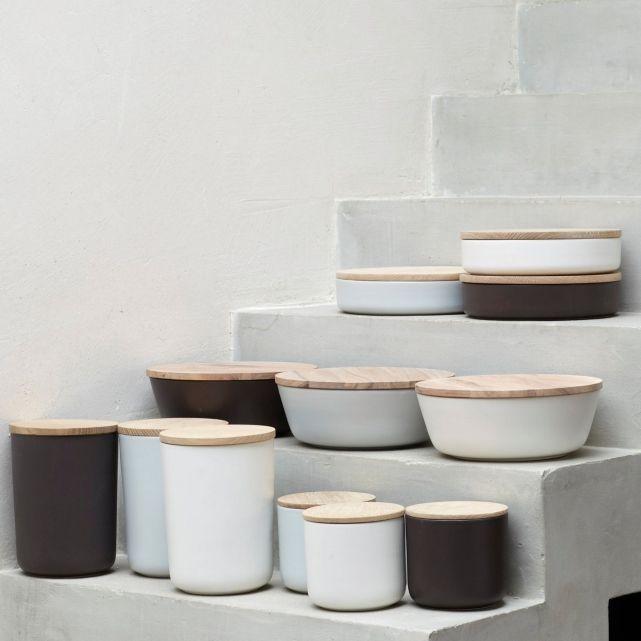Boîte Céramique Entité, modèle haut €32,20 from La Redoute, available in black, white, gray, or brown.