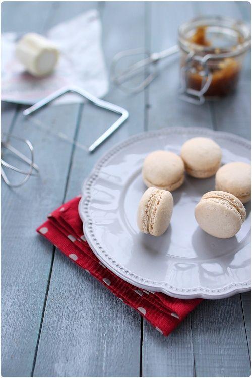 Macarons au chèvre et confit d'oignons