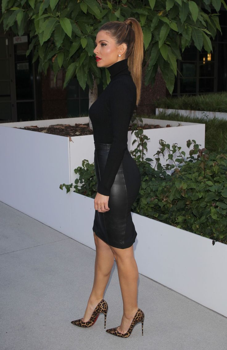 """pigalle120: """"Maria Menounos in Louboutins! Dazzling! """""""
