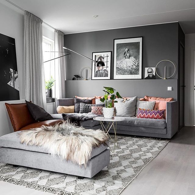 Amazing home, cozy decor with fake fur Styling @stylingbolaget - wohnzimmer grau creme