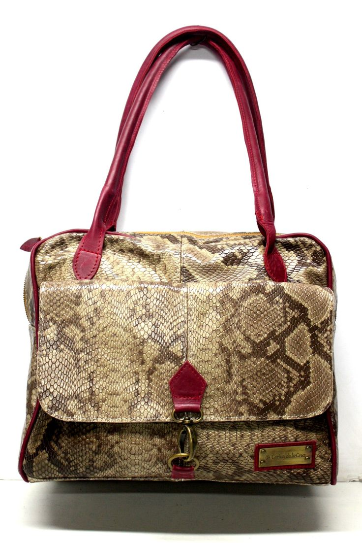 CARTERA ART. 1707 GRANDE CON DOBLE MANIJA, BOLSILLO AL FRENTE Y DOBLE CIERRE COLOR REPTIL CON BORDO