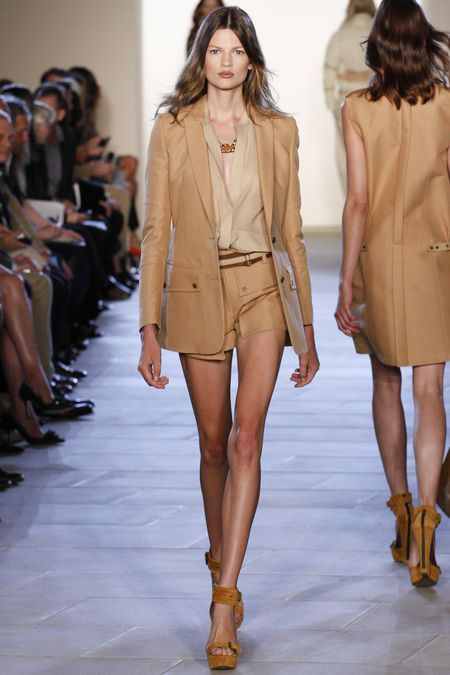 Sooo love these earthy colours so elegantly and naturally worn.  Tailored shorts suit at Belstaff