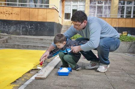 От време на време изниква по някоя нова детска градина в големите градове. Заради урбанизацията. Какво се случва с повечето стари детски заведения обаче? Истината е, че се случва това, което директорите и екипите решат да се случи. Видимо е, че колк